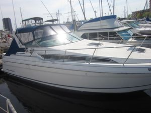 Used Wellcraft Martinique 3200 Cruiser Boat For Sale