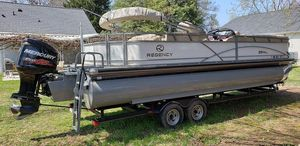 Used Regency 254 DL3 Power Catamaran Boat For Sale