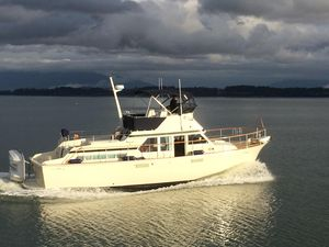Used Tollycraft 40 Tri-cabin Motor Yacht Motor Yacht For Sale
