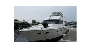 Used Carver 57 Voyager Sky Lounge Motor Yacht For Sale