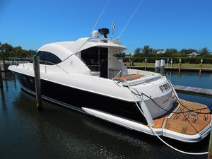 Used Riviera 4700 Sport Yacht Cruiser Boat For Sale