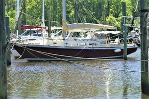 Used Pearson 35 CB Cruiser Sailboat For Sale