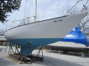 Used Islander 36 Racer and Cruiser Sailboat For Sale