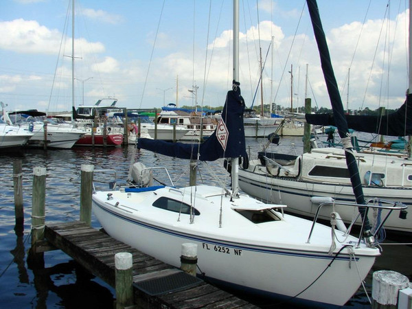 Used Catalina 22 Sloop Sailboat For Sale
