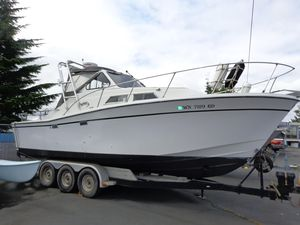 Used Uniflite Salty Dog Cruiser Boat For Sale