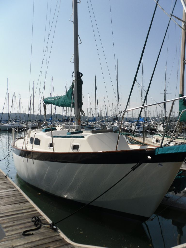 1976 Used Irwin 37 Center Cockpit Cruiser Sailboat For Sale