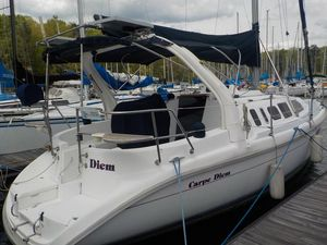 Used Hunter 310 Racer and Cruiser Sailboat For Sale