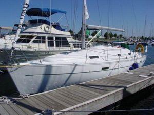 Used Beneteau 331 Cruiser Sailboat For Sale
