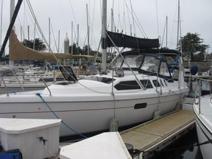 Used Hunter 310 Cruiser Sailboat For Sale
