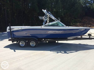 Used Epic 23V Wake Boat Ski and Wakeboard Boat For Sale