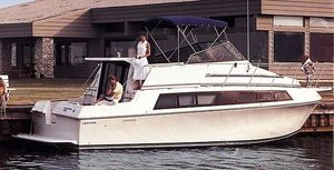 Used Carver 32 Mariner Motor Yacht For Sale