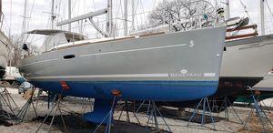 Used Beneteau Oceanis 34 Daysailer Sailboat For Sale