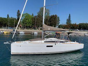 Used Jeanneau 349 Cruiser Sailboat For Sale