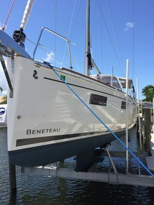 Used Beneteau Oceanis 35.1 Cruiser Sailboat For Sale