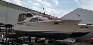 Used Chris-Craft 42 Commander Motor Yacht For Sale