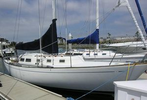 Used Cal 36 Racer and Cruiser Sailboat For Sale