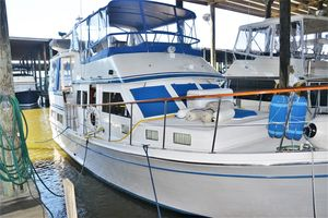 Used Marine Trader Labelle 40 Sun Deck MY Motor Yacht For Sale