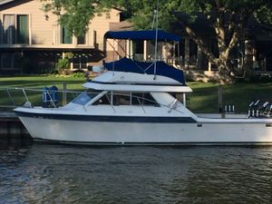 Used Chris-Craft Commander 315 Freshwater Fishing Boat For Sale