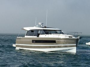 Used Jeanneau NC 14 Express Cruiser Boat For Sale