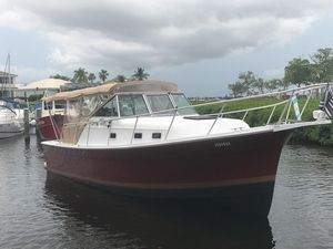 Used Mainship Pilot 30 Express Cruiser Boat For Sale