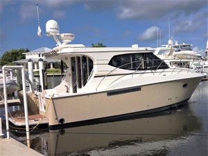 Used Silverton Sport Coupe Express Cruiser Boat For Sale