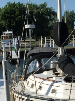 Used Hunter 37' Cutter Sailboat For Sale