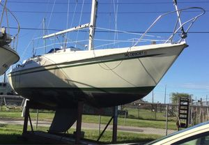 Used Newport 27 Cruiser Boat For Sale