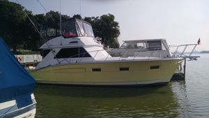 Used Chris-Craft 45 Commander Convertible Motor Yacht For Sale