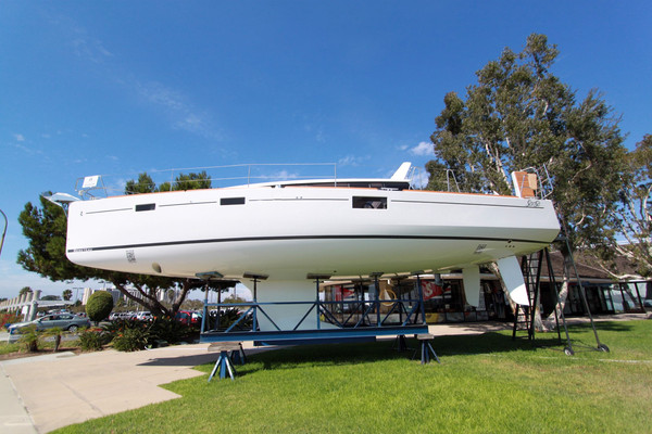 New Beneteau Sense 43 Cruiser Sailboat For Sale