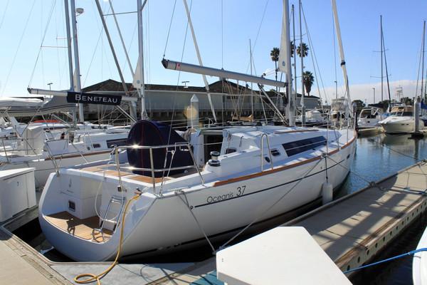 New Beneteau Oceanis 37 Cruiser Sailboat For Sale