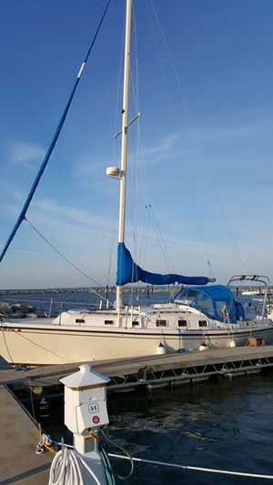 Used Allmand 35 TRI Cabin Cruiser Boat For Sale