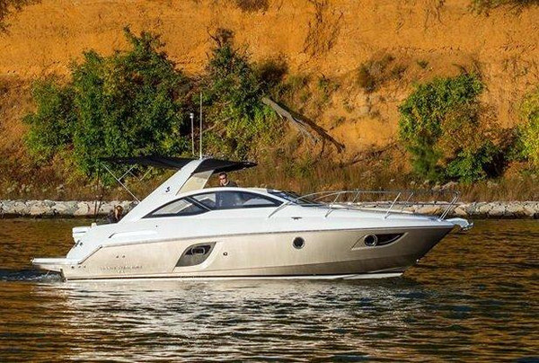 New Beneteau Gran Turismo 35 Express Cruiser Boat For Sale