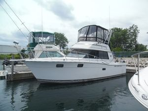 Used Carver 3227convertible Sports Fishing Boat For Sale