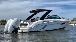 New Cruisers Sport Series 338 Outboard Express Cruiser Boat For Sale