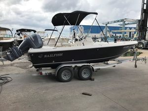 Used Sailfish 2100 BB Bay Boat Center Console Fishing Boat For Sale