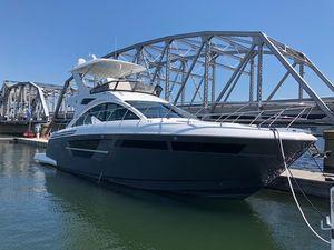 New Cruisers Yachts Flybridge 54 Fly Flybridge Boat For Sale