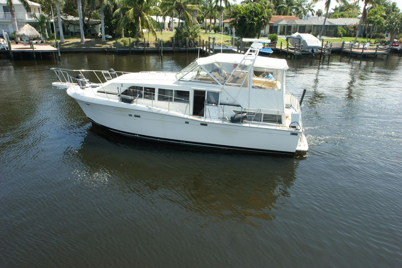 1987 Used Chris-Craft 381 Catalina Motor Yacht For Sale - $58,500