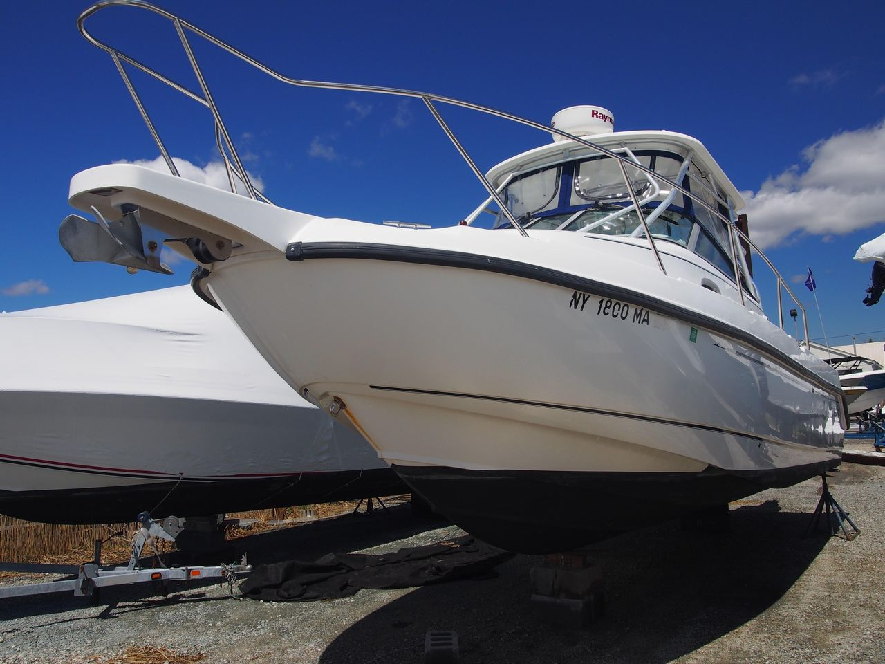 2004 Used Boston Whaler 275 Conquest Center Console Fishing