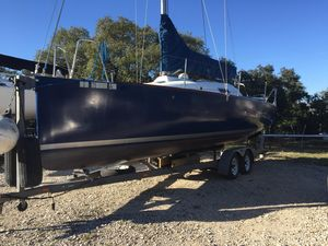 Used Beneteau First 27.7 Cruiser Sailboat For Sale