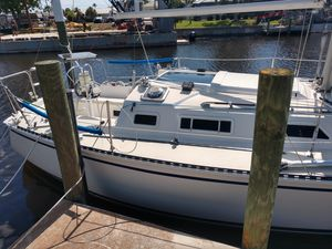 Used Pearson 28 Cruiser Sailboat For Sale