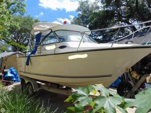 Used Baha Cruisers 231GLE Walkaround Fishing Boat For Sale