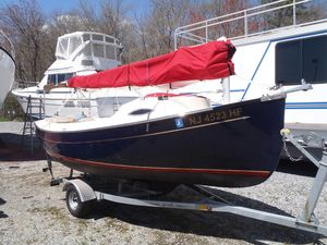 Used Com-Pac Sunday Cat 17 Daysailer Boat For Sale