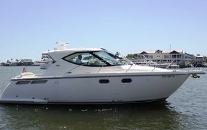Used Tiara 3500 Sovran Express Cruiser Boat For Sale