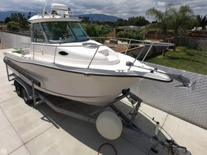 Used Seaswirl Striper 2601 WA Walkaround Fishing Boat For Sale