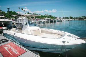 New Boston Whaler 25OR Sports Fishing Boat For Sale