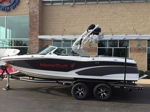 New Mastercraft XSeries X10 Ski and Wakeboard Boat For Sale