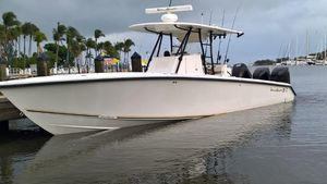 Used Island Runner CC 35 Center Console Fishing Boat For Sale