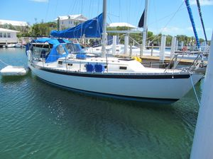 Used Endeavour 32 Centerboard Cruiser Sailboat For Sale