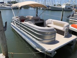 Used Sweetwater AP 235 RL Pontoon Boat For Sale