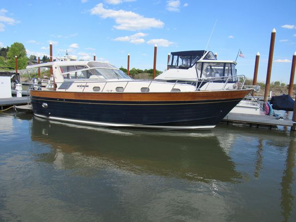Used Apreamare Express Cruiser Boat For Sale